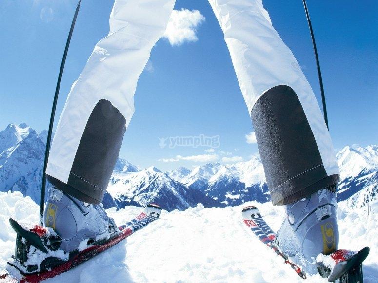 mantener los pies calientes esquiando