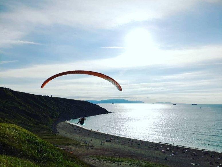 与导师的滑翔伞飞行