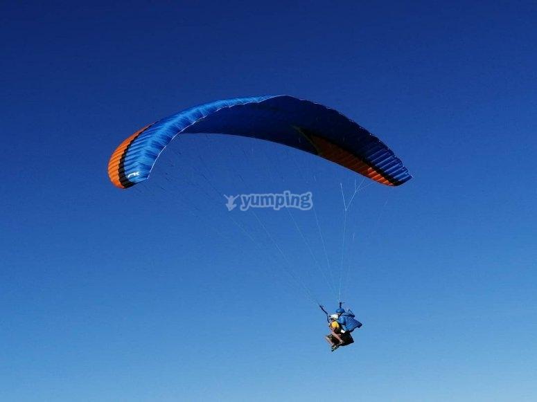 半小时滑翔伞飞行