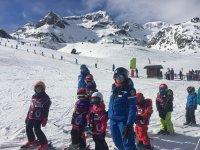 Children's ski class
