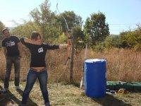 Osa con il tiro con l'arco
