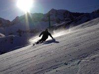 esquiando a contraluz