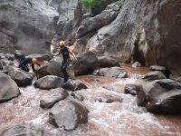 在Selva de Oza峡谷的Peque