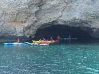 Navegando por las grutas marinas