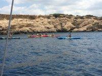 Grupo de travesia en kayak