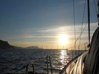 Navigazione al tramonto
