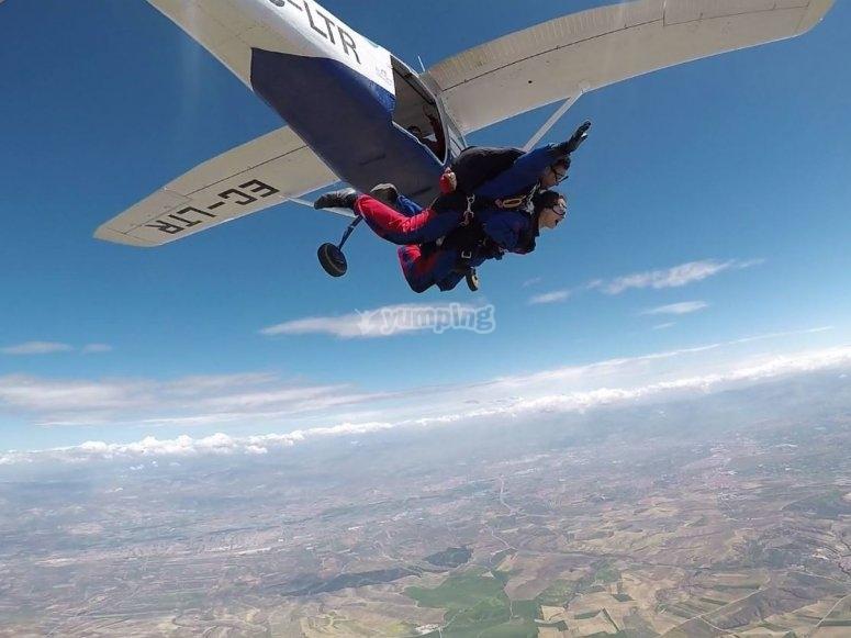 Salida del avion a 3 mil metros