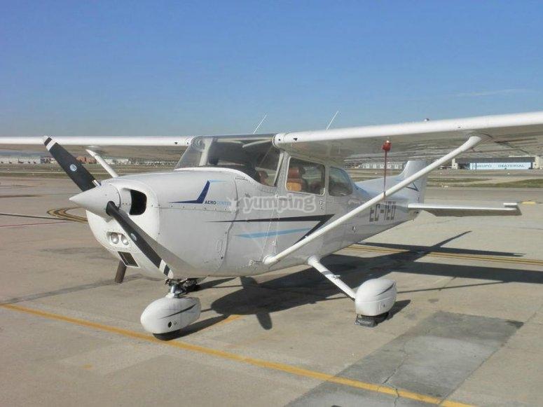 从卡阿特罗·维恩托斯出发的航班