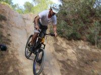 Bajando la pendiente en bici