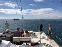 Navegando junto a otros barcos
