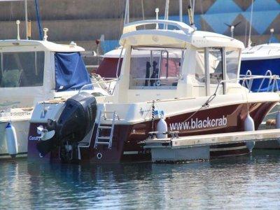 Black Crab Paseos en Barco