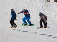 alumnos de la escuela de snow