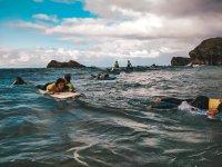 Clases de surf en el campamento