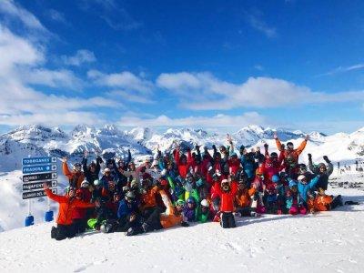 Mandarina Ski Club