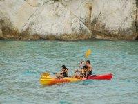 Navigazione in canoa