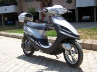 Scooter plateada