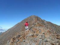 Luyaventuras woman posing on the summit