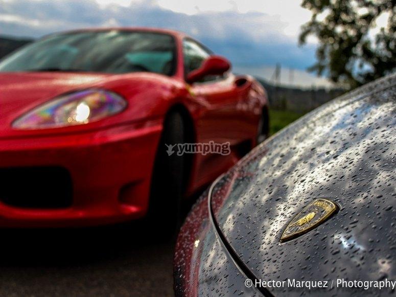 Guidare una Ferrari nel circuito