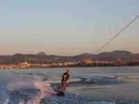 Haciendo wakeboard en Santa Ponça