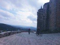 发现最美丽的山地自行车村庄