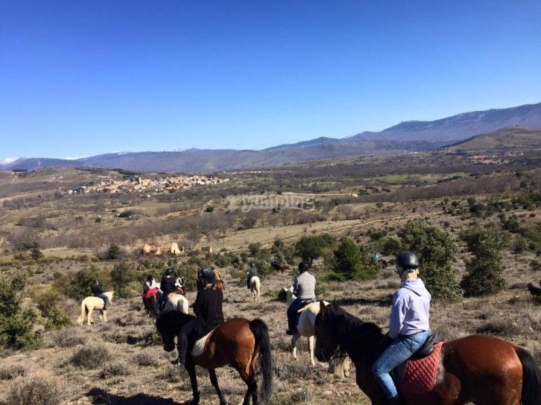 ruta a caballo en el valle del Lozoya