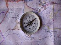 Utiliza la brujula y el mapa