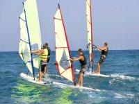 cursos y clases de windsurf