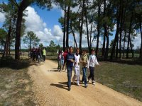 学校徒步旅行