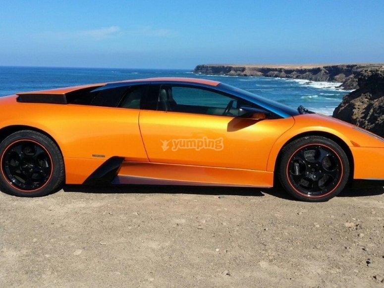 Lamborghini en la costa canaria