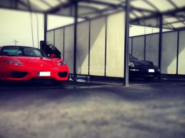 Lavando el Ferrari