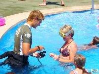 游泳池潜水课程