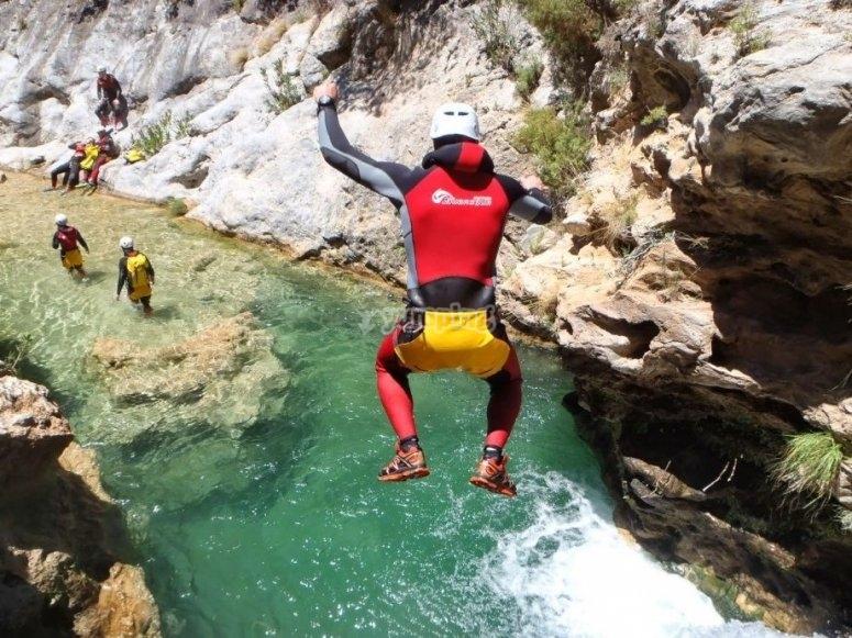 Salto en el Río Verde