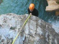Precaucion en el descenso con cuerda