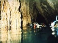 Bucea探索海底洞穴标志