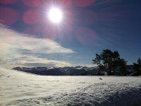 风景季节雪雪地摩托标志瓦尔诺德