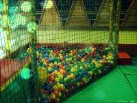 mini piscina con palline
