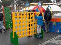 Juegos para ninos en la estacion de esqui