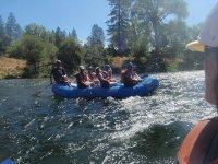 Navegando en rafting