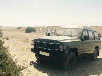 Todoterreno en paisaje desertico