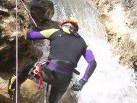 瀑布峡谷漂流