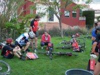 Preparando las bicis