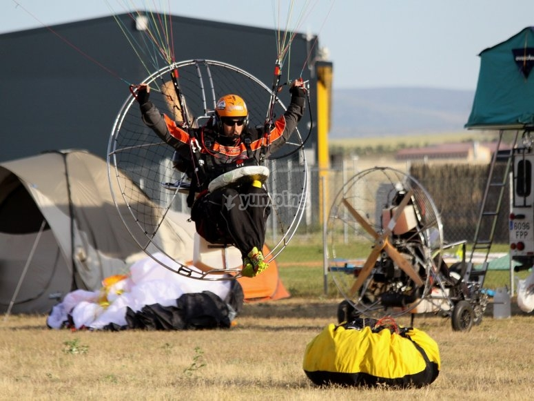 Paramotor on the ground