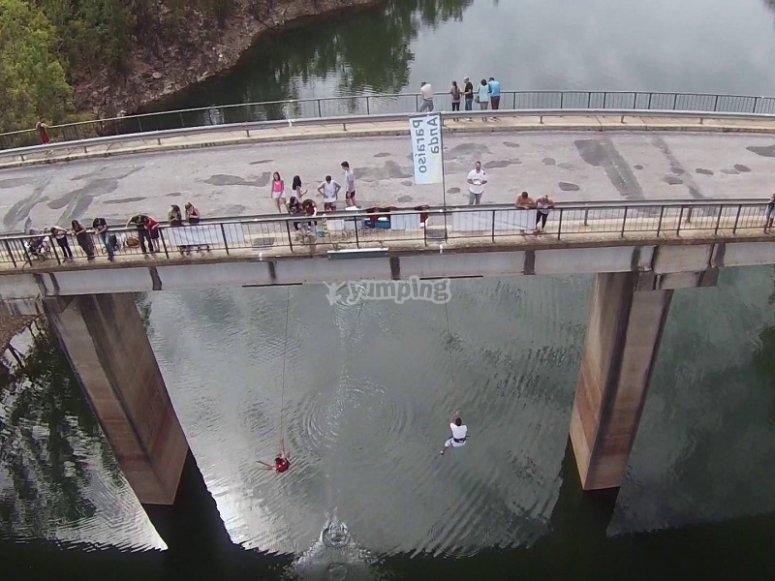El puente desde el que saltamos