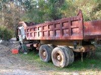 Camiones en la zona de juego