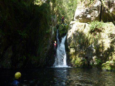 Canyoning initiation in Pontevedra
