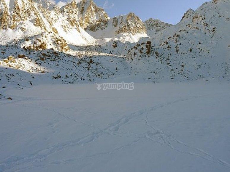 /tb_las-mejores-rutas-en-raquetas-de-nieve-por-el-pirineo-andorrano-abelletes.jpg