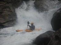 Kayak en el rio Besaya