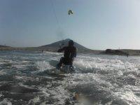 Siente la velocidad del kitesurf