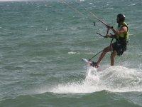 Probando el kitesurf en Almeria
