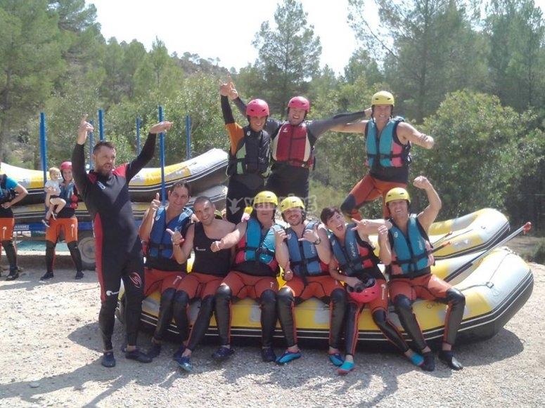 Tutti pronti per il rafting a Cabriel